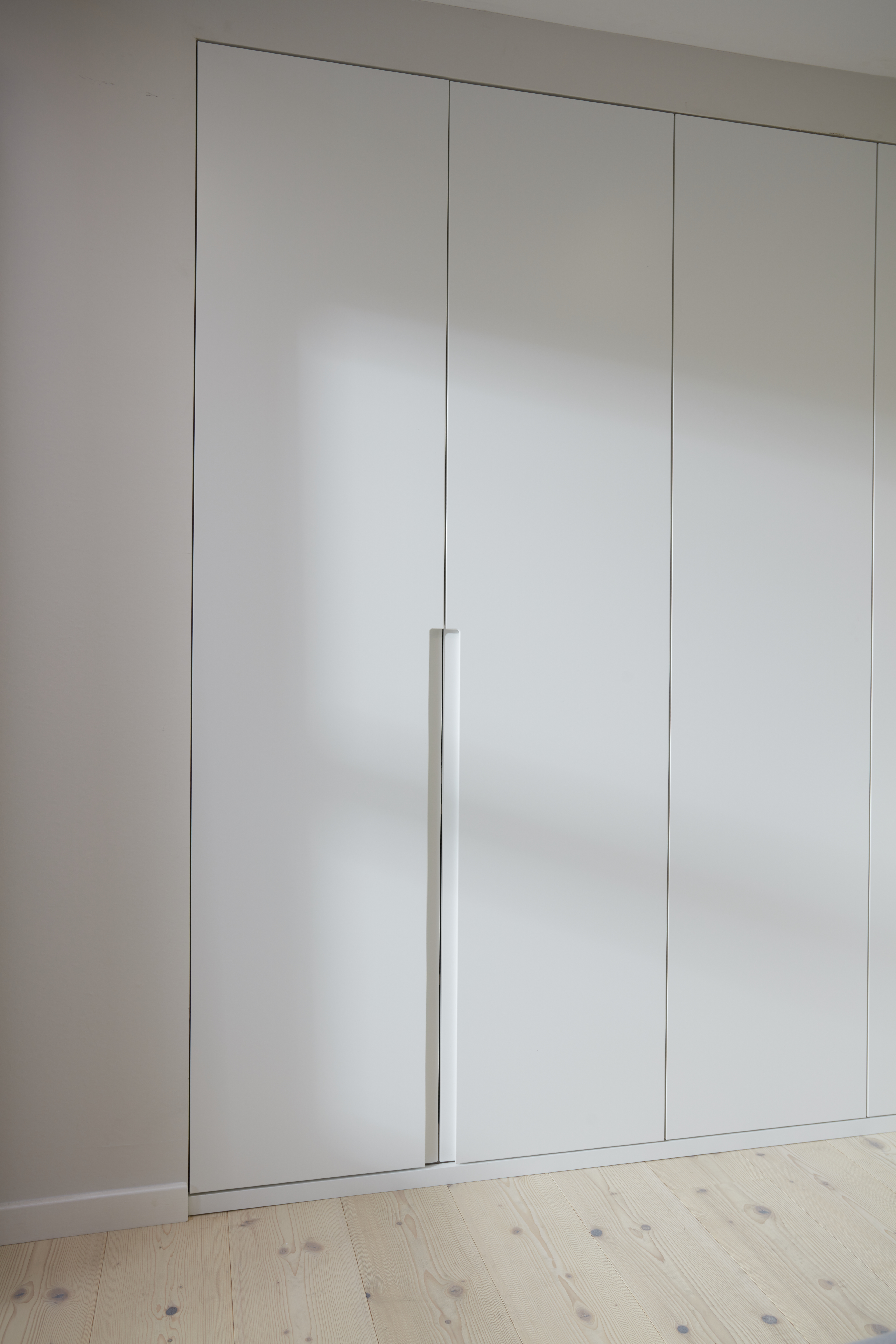 Fitted wardrobes help with Spring cleaning